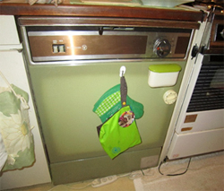 故障して使えない食洗器